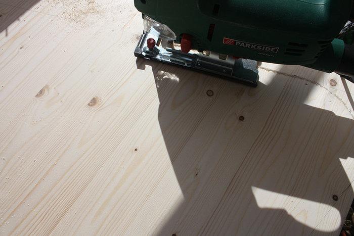 Ma table basse brodée-Tracé, découpe et ponçage de la planche