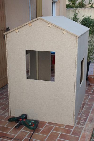 Maisonnette cabane en bois pour les enfants-L'assemblage - 3e partie