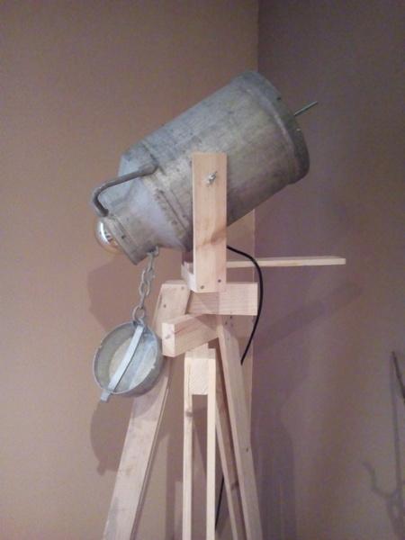 Pot à lait façon Projecteur -Finalisation ... c'est selon (Pérette vous en voudra pas ...)!