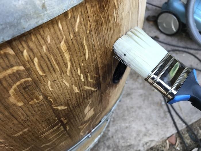 Tonneau transformé en bar-Finitions, Peinture et Protection Lasure