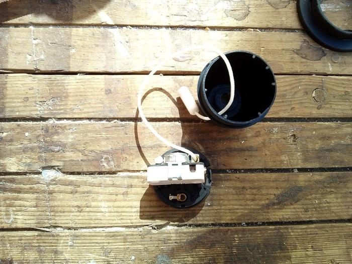 Pot à lait façon Projecteur -Petits détails du Cablage électrique