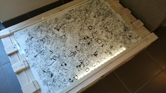 DIY : Table basse en palette rétroéclairée personnalisable-poser le dessin et la plaque de verre