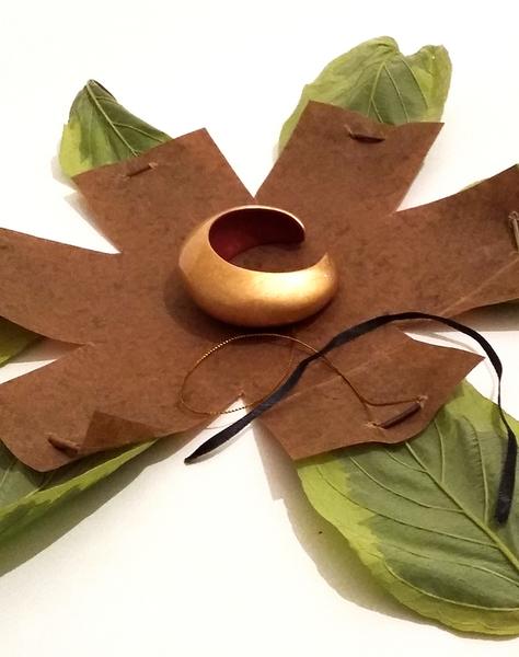 Un cocon de feuilles pour emballer vos cadeaux !-On déballe !