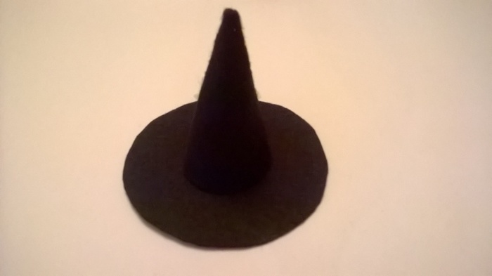 Bibi de sorcière-Découpe et création du chapeau
