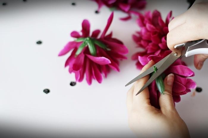 DIY Halloween : un serre-tête Dia de los Muertos -Coupez le tulle et les fleurs