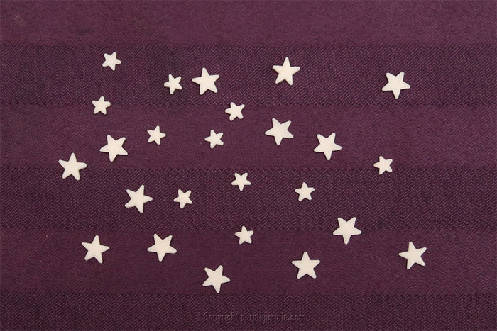 Défi OAMaker : une lettre E version galaxie étoilée-Ajouter des petites étoiles phosphorescentes