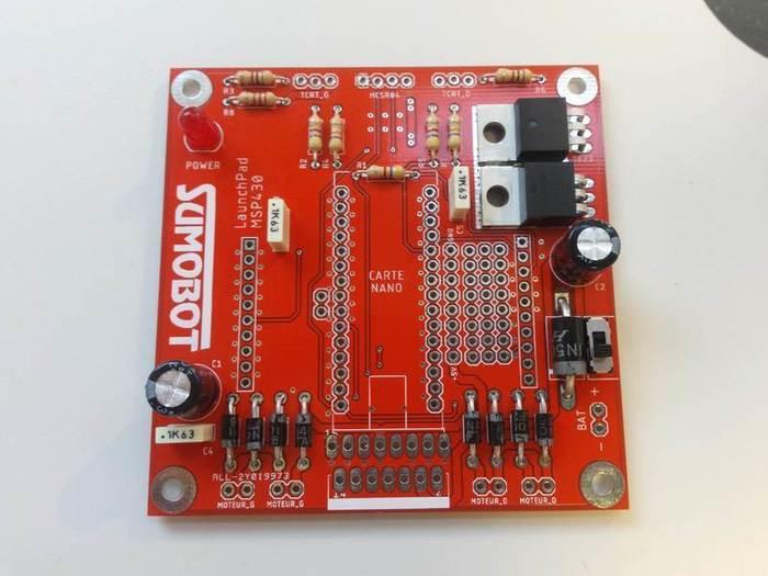 Fabriquer un robot SumoBot v4.0 (obsolète)-Soudage des condensateurs chimiques