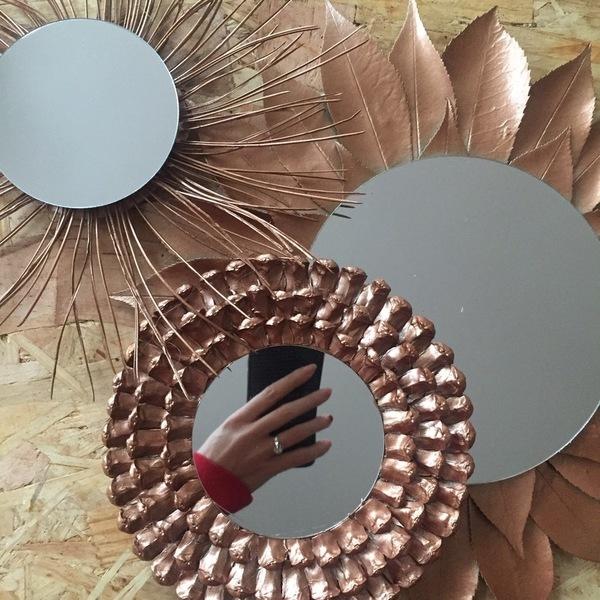 Les miroirs cuivrés-L'ajout de base et de peinture