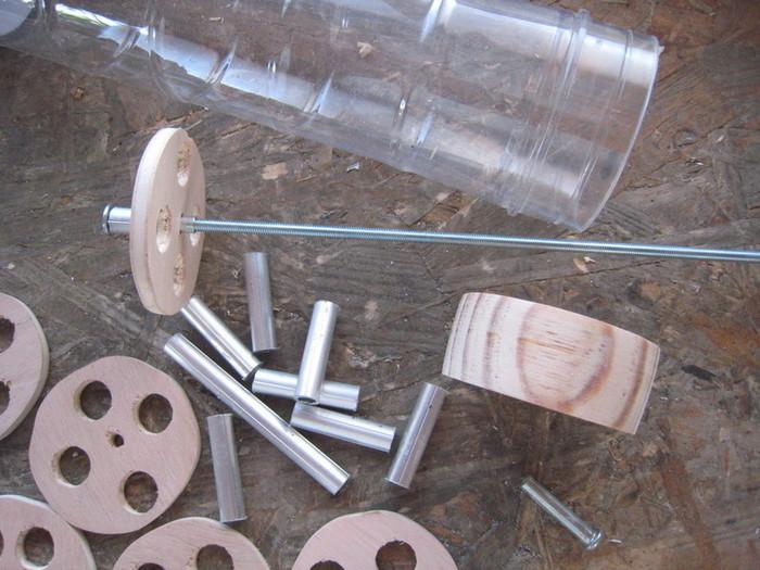 Un baton de pluie avec un tube de capsules de cafe N..O-Quelques photos de la réalisation