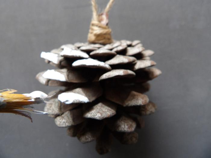 """DIY Décorations de sapin """"Noël Blanc""""-Pampilles en pomme de pin"""