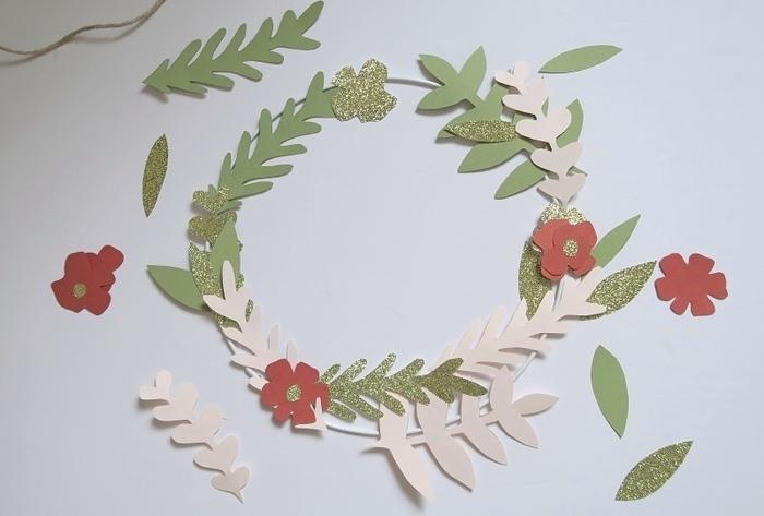 Couronne de Noël en papier-Assembler la couronne