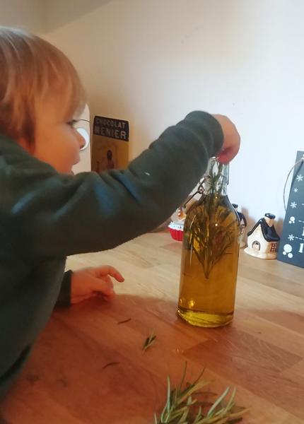 De l'huile d'olive parfumée  -Préparation