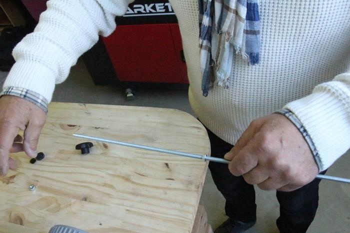 Nettoyeur de rouleau de peinture-Préparation du support de rouleau