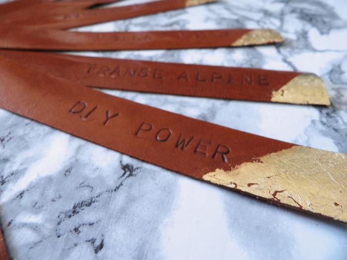 """DIY: Des Portes clefs """"cuir et or"""" personnalisés-Etape 2/"""