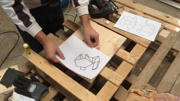 Décorations murales géométriques-Découpe du support
