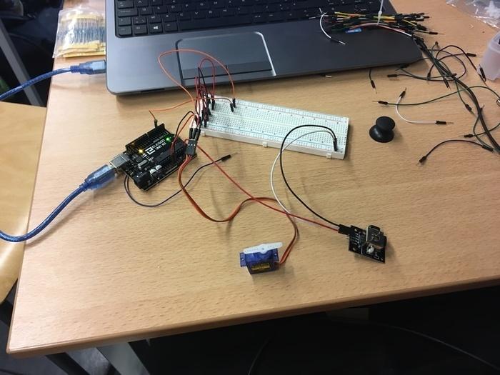 CarHand Project : ARPMR( Assistant Robotisé pour Personne à Mobilité Réduite )-Arduino : Servomoteur
