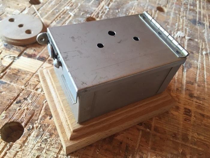 Une horloge à galvanomètres-Réalisation du boîtier de l'horloge
