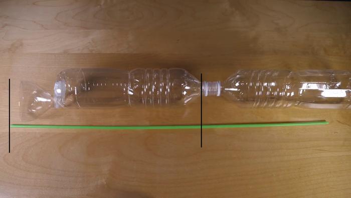 Fabriquer une fontaine magique-Couper les pailles