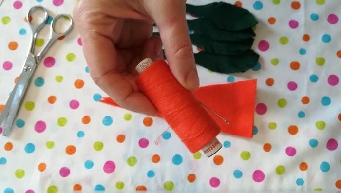 Carotte en feutrine-Coudre la carotte