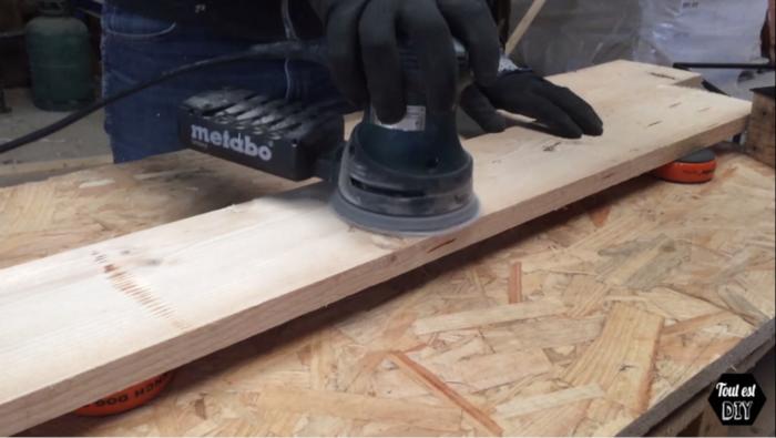 Un cadre démesuré sur-mesure-Découpe du bois