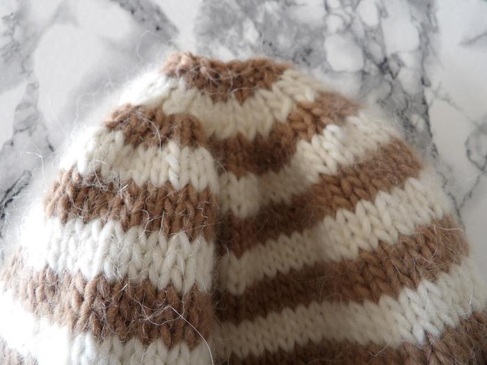 Bonnet rayé à pompon super facile-tricot et réductions