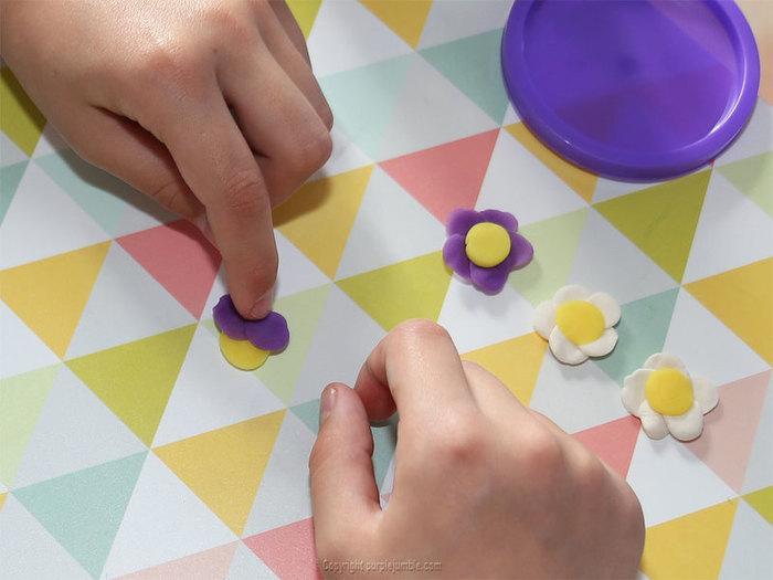 Jardin merveilleux et chasse aux œufs de Pâques-Fabriquer de jolies fleurs multicolores