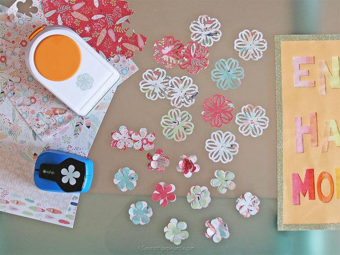 Fabriquer une affiche arc en ciel-Ajouter des fleurs en papier