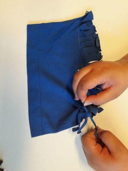 Pochette T-shirt-Découpage de la manche et noeuds