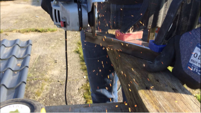 Console d'entrée bois et métal-Découpe et préparation du métal