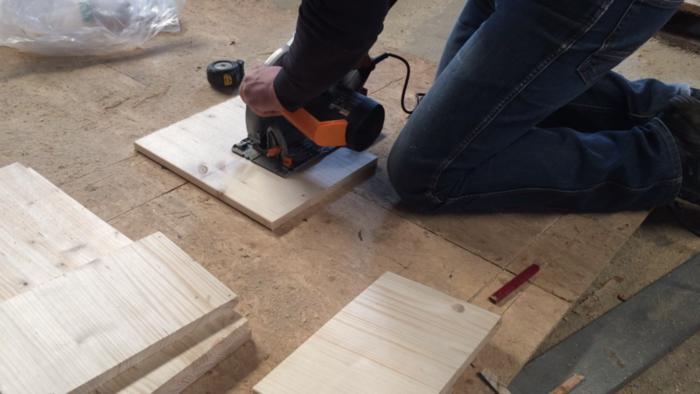 Console d'entrée bois et métal-Découpe du bois