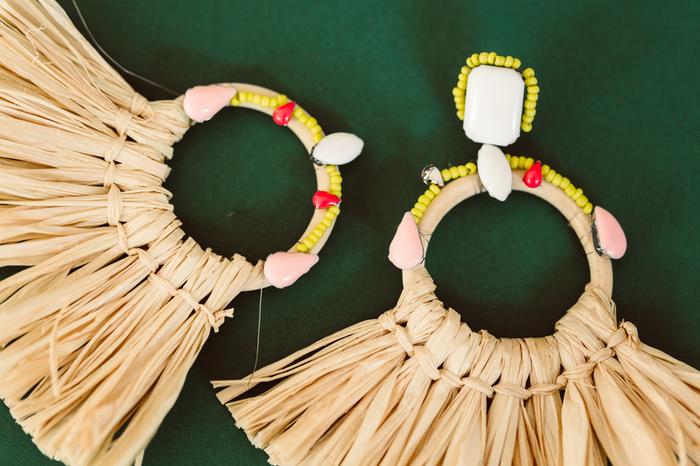 Boucles d'oreilles Frida Khalo-Etape 3 : L'ajout des pampilles