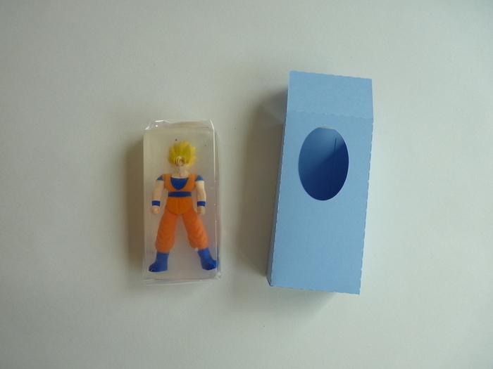 Savons surprises-Créer une boite pour offrir : une boite mi-ouverte en carton