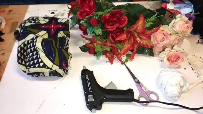 Crown Flowers / Couronne de fleurs fait(2)mains-collage des fleurs et déco