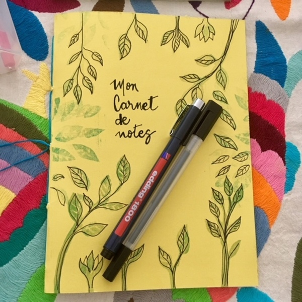 Un cahier d'écolier transformé en carnet de notes-ETAPE 4 : décoration de la couverture