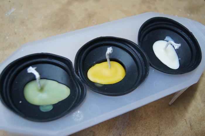 Bougies originales en cire d'abeilles-Retirer les aiguilles à mèches