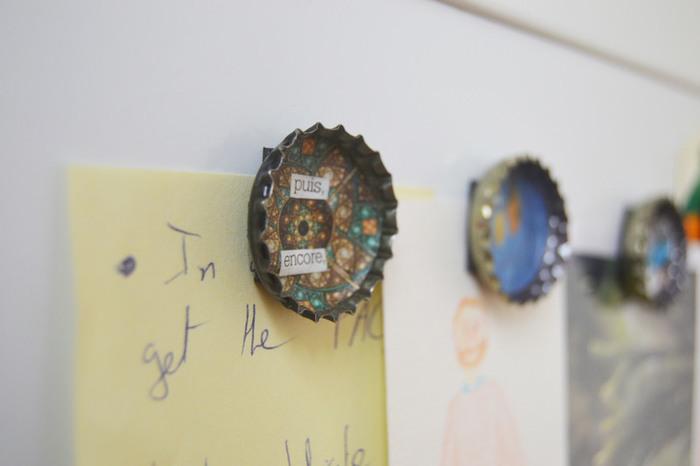 Aimants personnalisés DIY-Pour finir en beauté : Ajuster les images aux capsules (côté creux)