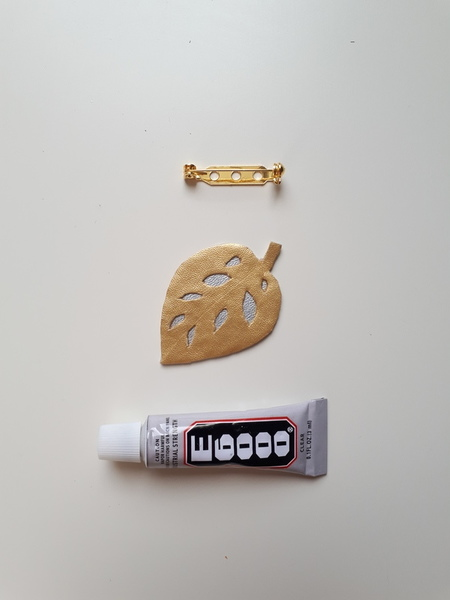 Trio de broches végétales et métallisées-[Monstera] Assemblage