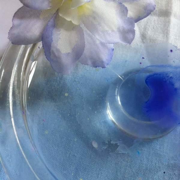 """Cloche """"Autour des papillons"""".-1. Peindre les fleurs artificielles."""