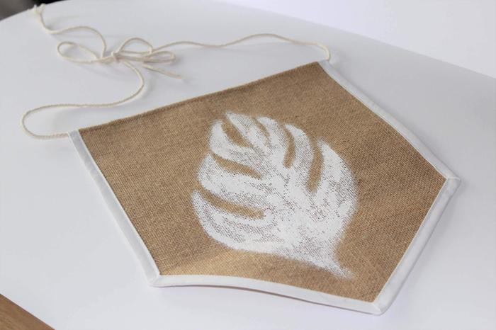 Fanion en tissu-Peinture sur textile