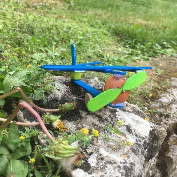 Envolée d'aéroplanes -je construis un avion