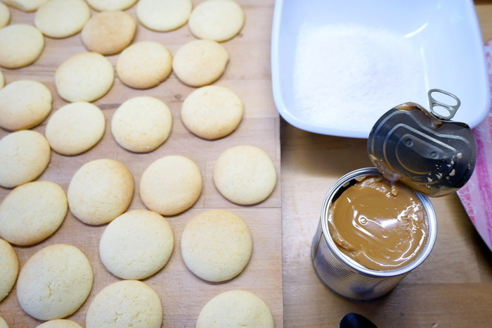 Alfajores - biscuits argentins au dulce de leche-L'assemblage