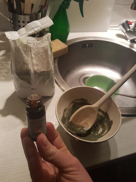 Dentifrice homemade-Divines huiles