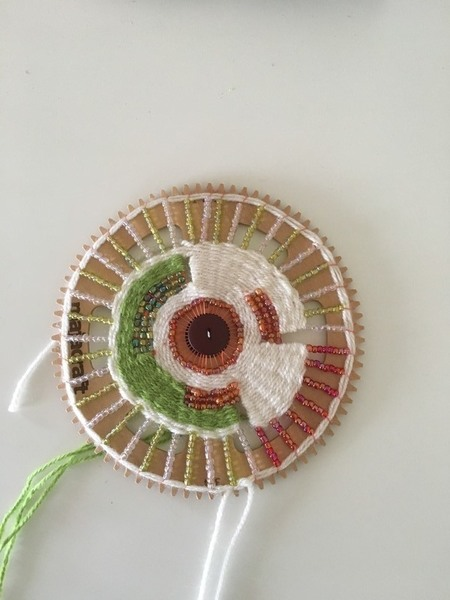 Tissage avec perles sur métier circulaire-