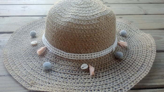 Customisation expresse d'un chapeau de paille-