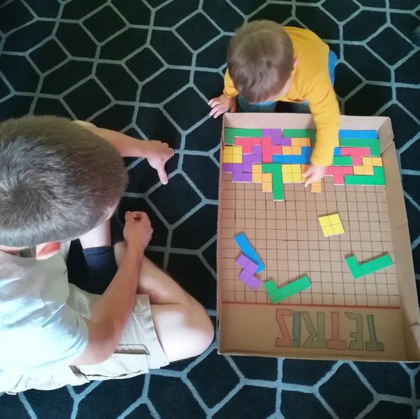 Tetris géant en carton-A vous de jouer !
