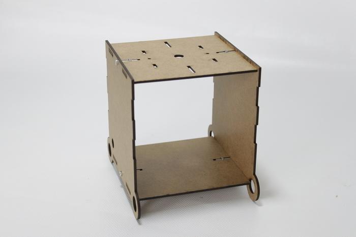 Montage de la boîte support de la Fleur Animée Connectée-Assembler le corps de la boite