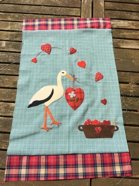 Mini patchwork aux appliqués : la cigogne amoureuse !-