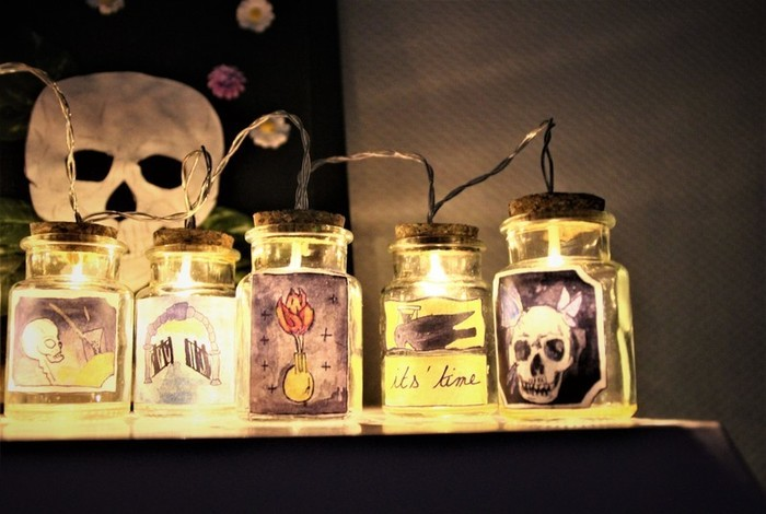 Guirlande lumineuse Memento mori, des fioles pour votre cabinet de curiosité.-Assemblage des Fioles