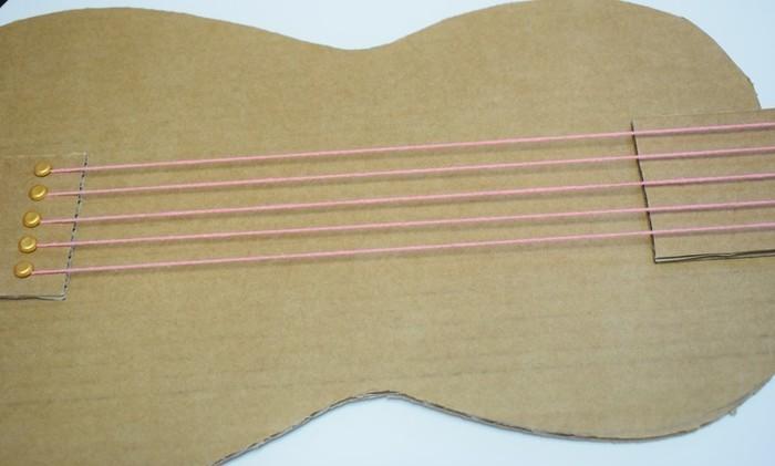 Une guitare qui cartonne-Les cordes 2