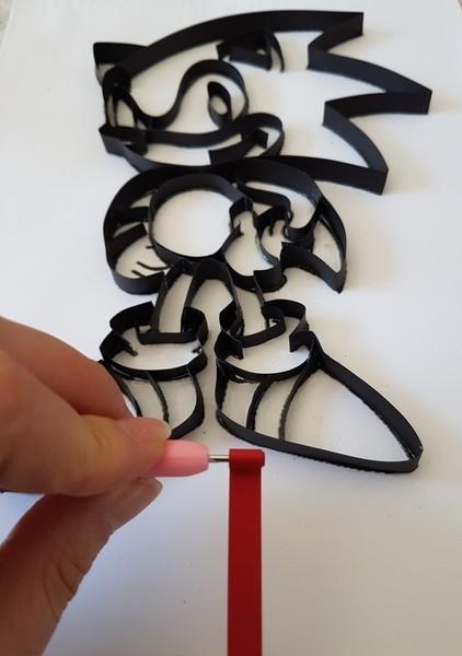 La carte d'anniversaire façon cadre en quilling -Etape 2: Rouler les bandes de papier